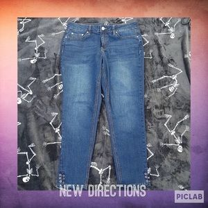 Size 8R Crop Blue Jeans by New Directions